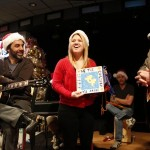 Kelly Clarkson visits children's hospital in Vanderbilt