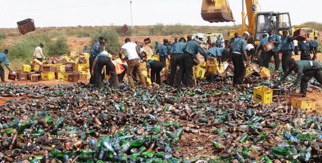 Nigeria bottles of beer, smashed by Islamic police (VIDEO)