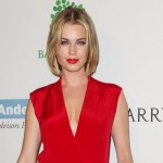 Rebecca Romijn : Actress New bob haircut at Baby2Baby gala