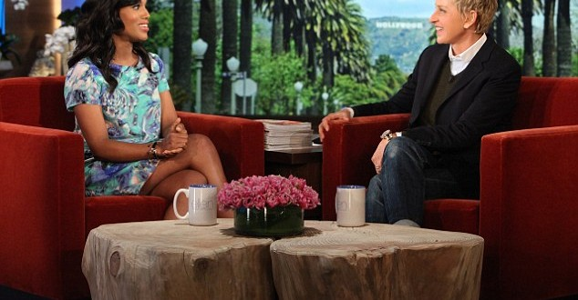Kerry Washington : Hides Baby Bump In Floral Frock (VIDEO – PHOTO)