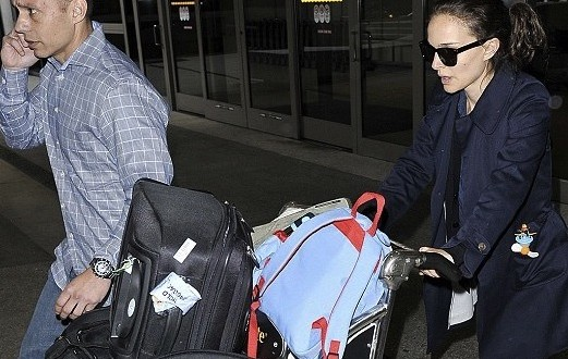 Natalie portman : Actress Baggage Cart Full of Luggage at LAX Airport