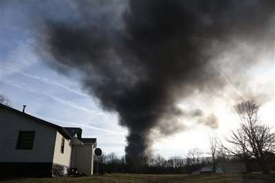 Area evacuated near fire on Tenn. Superfund site (VIDEO)