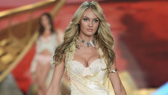 "Candice Swanepoel from South Africa : Supermodel is ""Extra"" Hot"