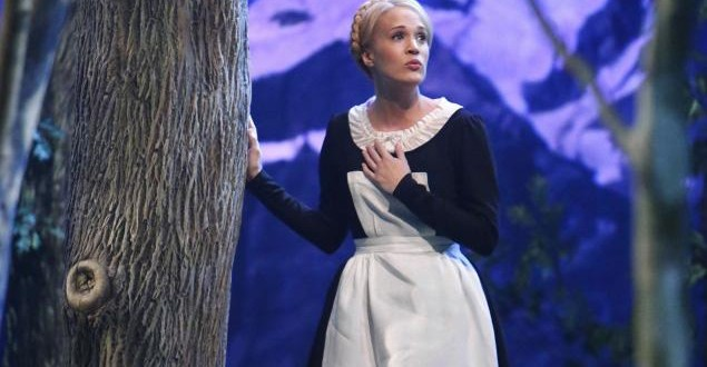 Carrie Underwood Slammed by Von Trapp Family (VIDEO)