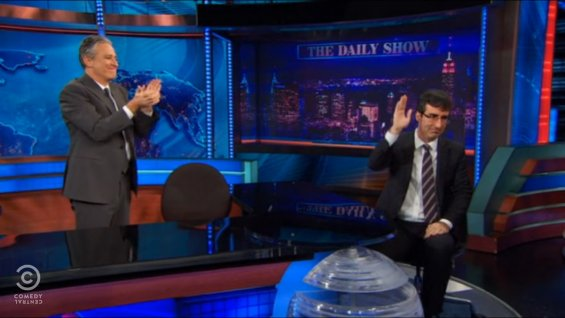 Jon Stewart brings John Oliver to tears on 'Daily Show' sendoff (VIDEO)