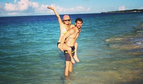 Kaley Cuoco Engaged to Ryan Sweeting : Beach Buddies in the Bahamas