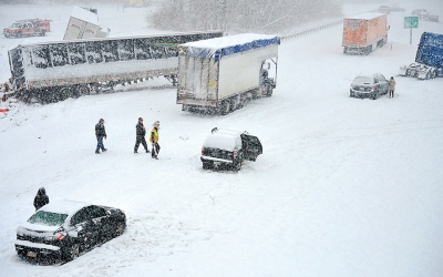 Northeast storm : Snowstorm brings dangerous travel