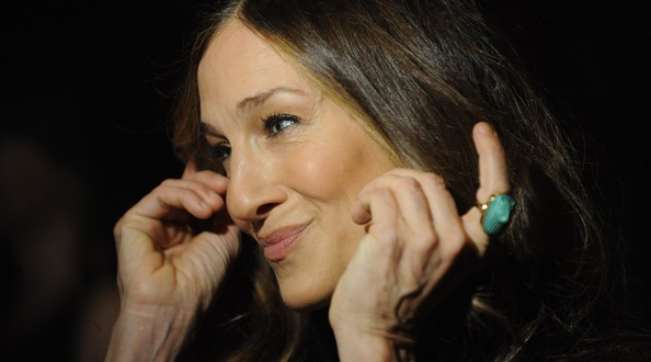 "SJP : Actress slams ""outrageous"" plastic surgery"