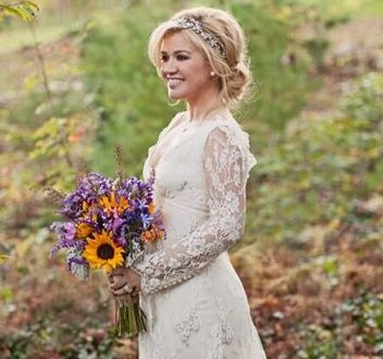 Kelly Clarkson's Temperley London Wedding Dress