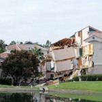 Sinkhole rescues : Disney World-area resort villa falls into sinkhole
