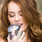 Miley Cyrus : Singer nickname was Smiley