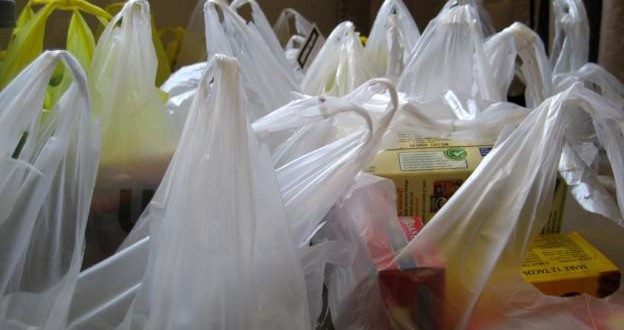 Chicago Bans Plastic Bags: 'Just change your behavior'