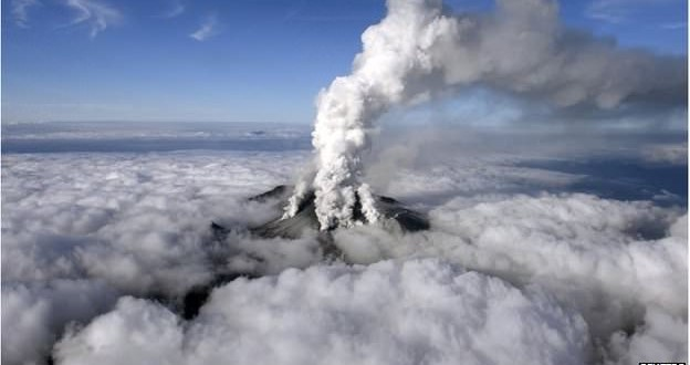 Japan Volcano : Thirty hikers feared dead in Mt Ontake eruption