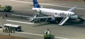 JetBlue emergency landing in Long Beach, Cabin filled with smoke (Video)