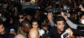 Kim Kardashian tackled in crowd in Paris (Video)