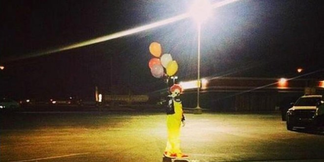Clowns terrorizing residents in California city (Video)