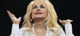 Dolly Parton Chastises Christians : Country superstar affirms her support for LGBT fans