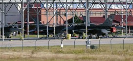F-16 : No Injuries After Midair Collision