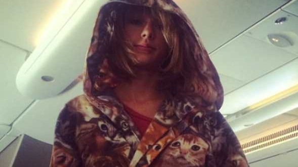 Taylor Swift Cat Robe: Singer Was Definitely The Biggest Cat Lady On This Plane