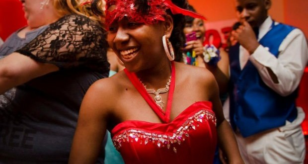 Mareshia Rucker comes to human rights museum to see her prom dress on display