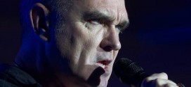 Morrissey : Heckler forces Singer to storm off stage (Video)