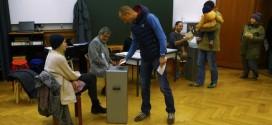 Swiss 'gold referendum' on Sunday : Switzerland votes on gold hoarding and immigration
