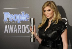 Kate Upton : Sexy Model Named 'Sexiest Woman Alive'