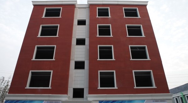3D-printed Apartment Building : Chinese company uses 3D printers to build houses, mansions