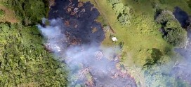 Lava rivulets pose potential risk to hawaiian village (Video)