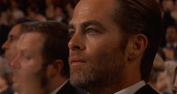 Chris Pine moved to tears by John Legend's Oscars performance of 'Glory' (Video)