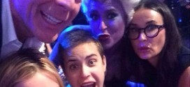 Bruce, Demi Family Photo: Rumer Willis Poses with Mom, Dad, Sisters in Epic DWTS Selfie