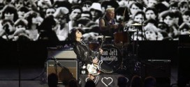 Joan Jett Moved to tears (Video)