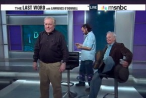 Bill Murray crashed show? Star crashes news broadcast and falls off chair (Video)