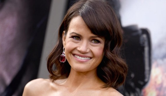 Carla Gugino won't sleep nude : Actress reveals why she refuses to sleep in the nude