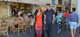 "Mariah Carey, James Packer are dating? ""Infinity"" Singer & Billionaire Spotted Holding Hands"