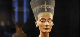 Queen Nefertiti : Has the tomb of Tutankhamun's mother been found hiding in plain sight? 'Video'