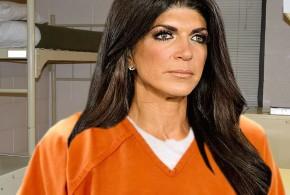 """Teresa Giudice: Star Says She Was """"Shaken Down"""" In Prison"""