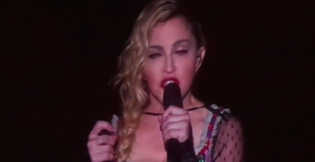 "Madonna makes emotional speech about Paris attacks ""Video"""