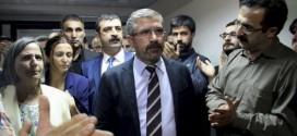 Tahir Elci: Prominent pro-Kurdish lawyer killed in Turkey