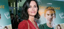 """Courtney Cox To Star In Fox Comedy Charity Case """"Video"""""""