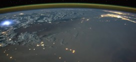 Tim Peake: Astronaut films timelapse of lightning strikes from space (Video)