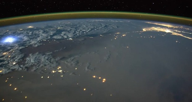 Tim Peake: Astronaut films timelapse of lightning strikes from space (Video)