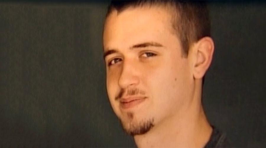 Mesa Police Shooting Daniel Shaver >> Daniel Shaver: Man Killed By Arizona Police Begged, 'Please Don't Shoot Me' - Canada Journal ...