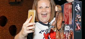 'Chewbacca mom' gets her own action figure (Photo)