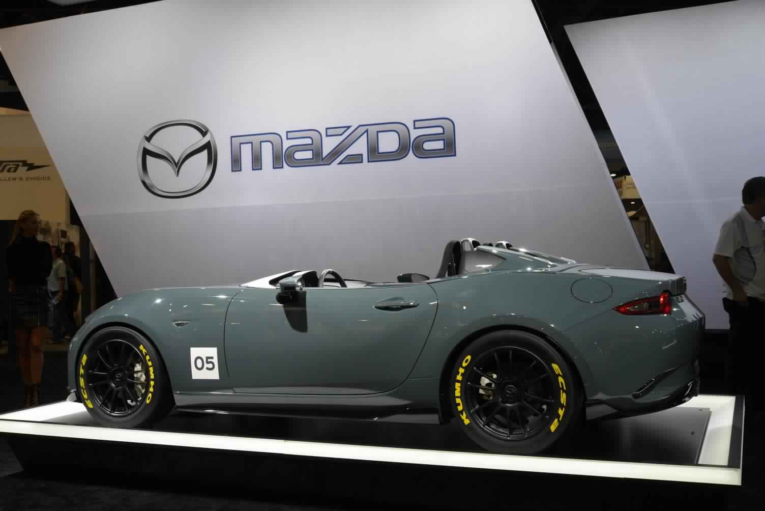 next generation mazda mx 5 could use carbon fiber to cut weight canada journal news of the world. Black Bedroom Furniture Sets. Home Design Ideas