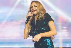 Actress Lindsay Lohan says her fiancé needs therapy