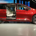 2017 Chrysler Pacifica: The Minivan Reinvented (Video)