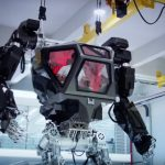 'Avatar style' robot walks by mimicking its pilot (Video)