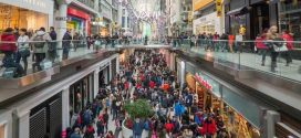 Many Canadians plan to spend less on holiday shopping, CIBC Poll