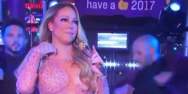 Mariah Carey's awkward New Year's Eve performance (Video)